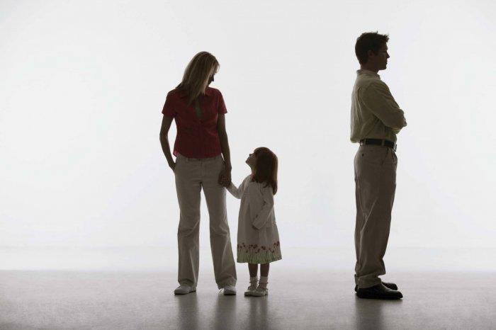 Tâm Lý Con Khi Bố Mẹ Ly Hôn