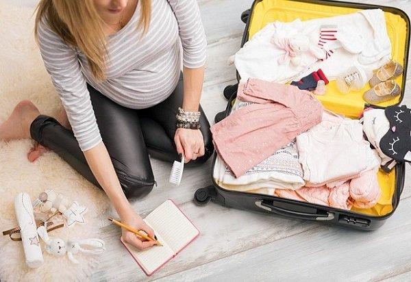 Chuẩn bị đồ đi sinh mẹ bầu nên mang theo những vật dụng hữu ích gì? - 5